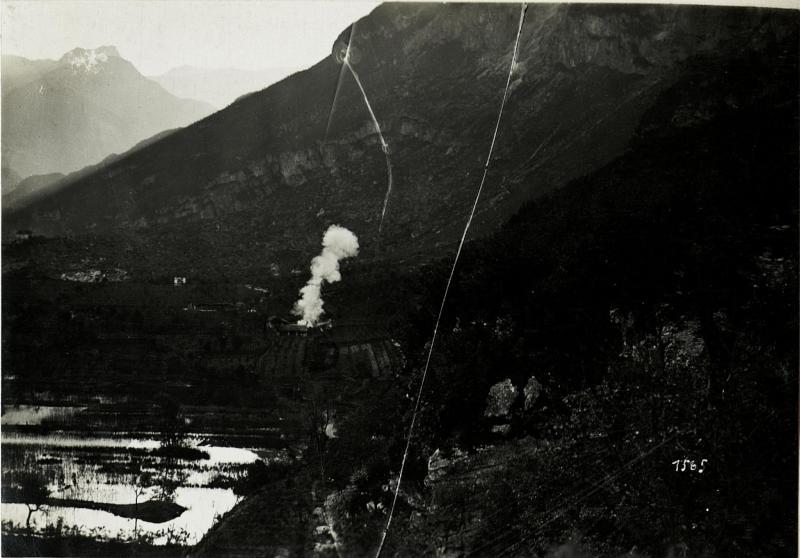 Abschuss eines schweren österreichischen Mörsers am 15.5.1916.