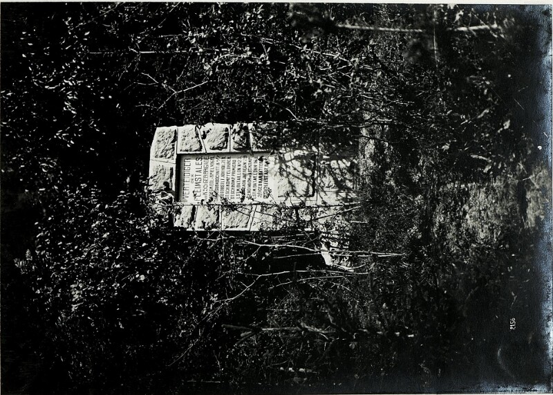Denkmal im Fleimstal.