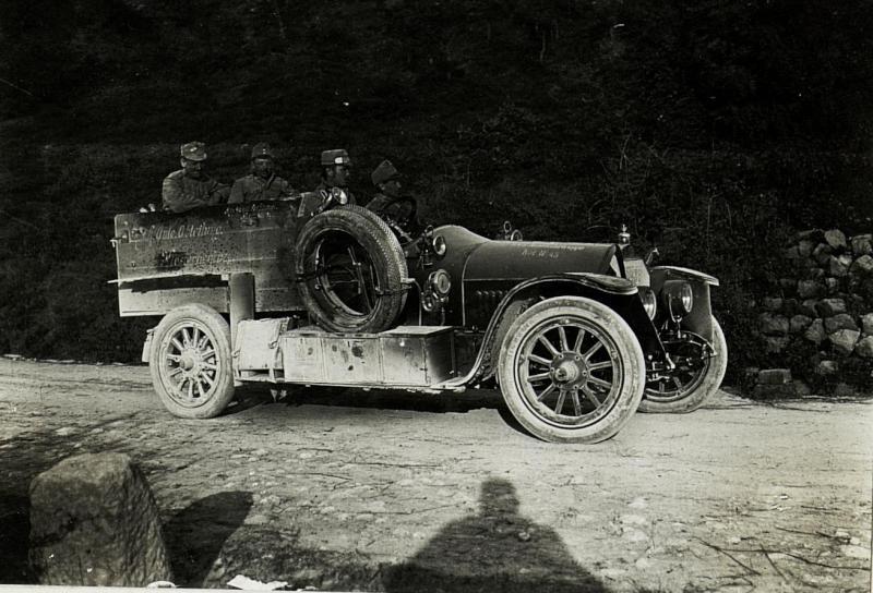 Abteilungsauto in Zalosce, 16.4.1916.