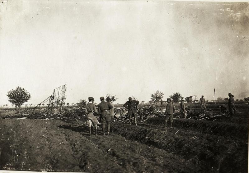 Abgestürzter italienischer Lenkballon M.4, Ciprijanisce, südlich Görz, 4.6.1916.