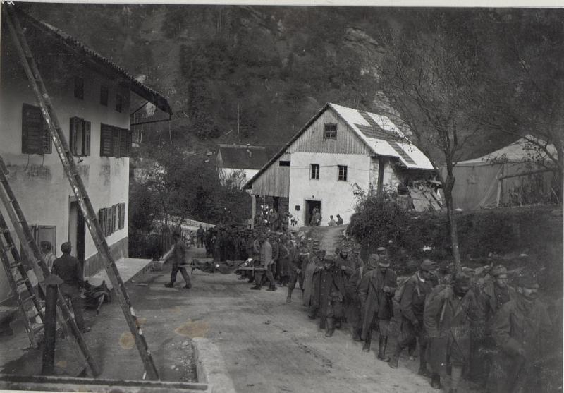 Abtransport Leichtverwundeter a.d.Isonzofront.13.9.17.