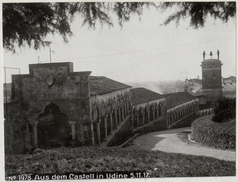 Aus dem Castell in Udine 5.11.17.