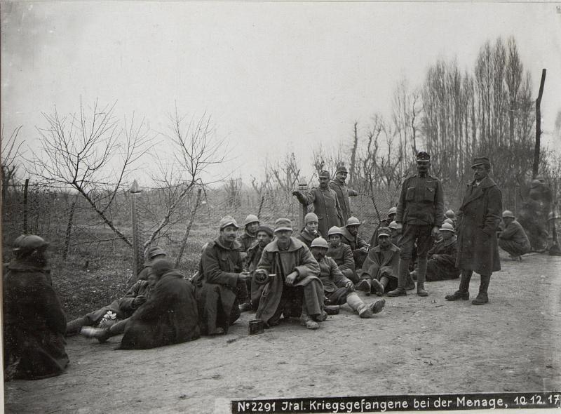 Ital.Kriegsgefangene bei der Menage, 10.12.17.