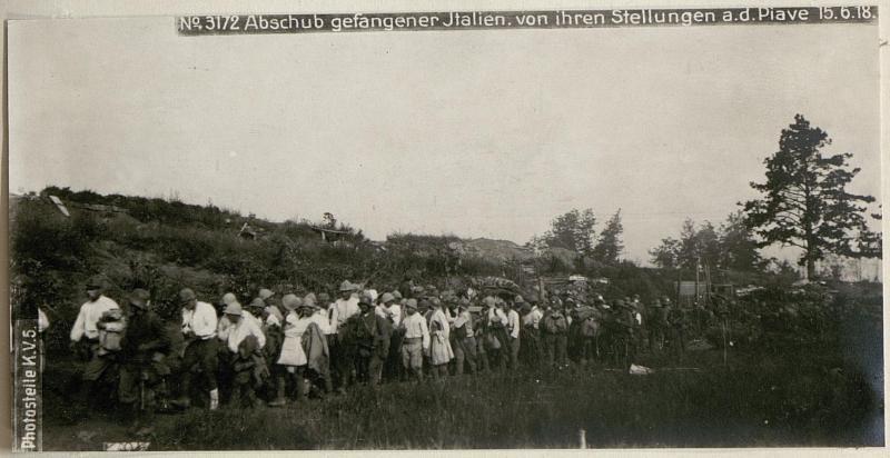 Abschub gefangener Italien.von ihren Stellungen a.d.Piave 15.6.18.