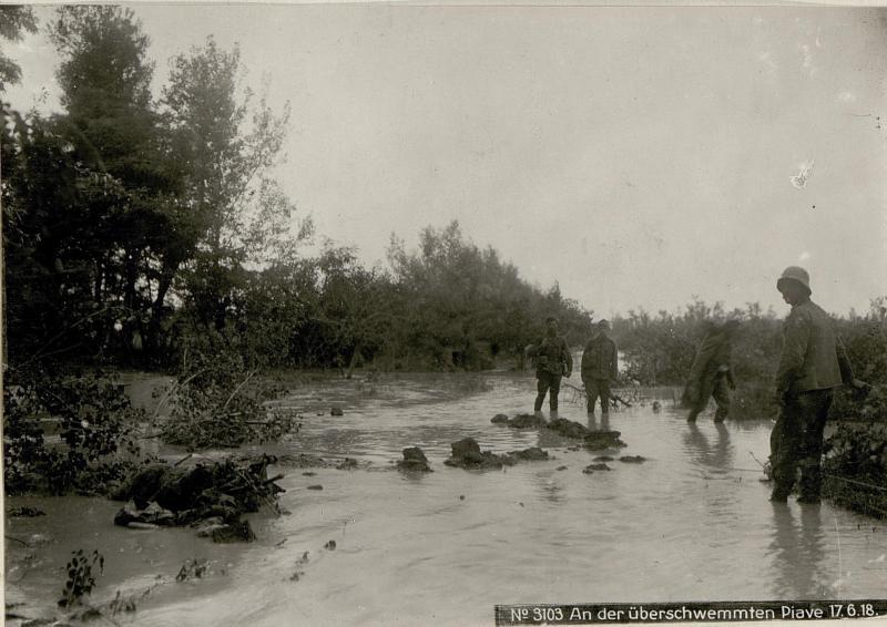 An der überschwemmten Piave 17.6.18.