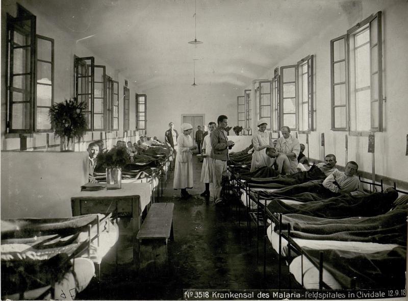 Krankensal des Malaria-Feldspitales in Cividale