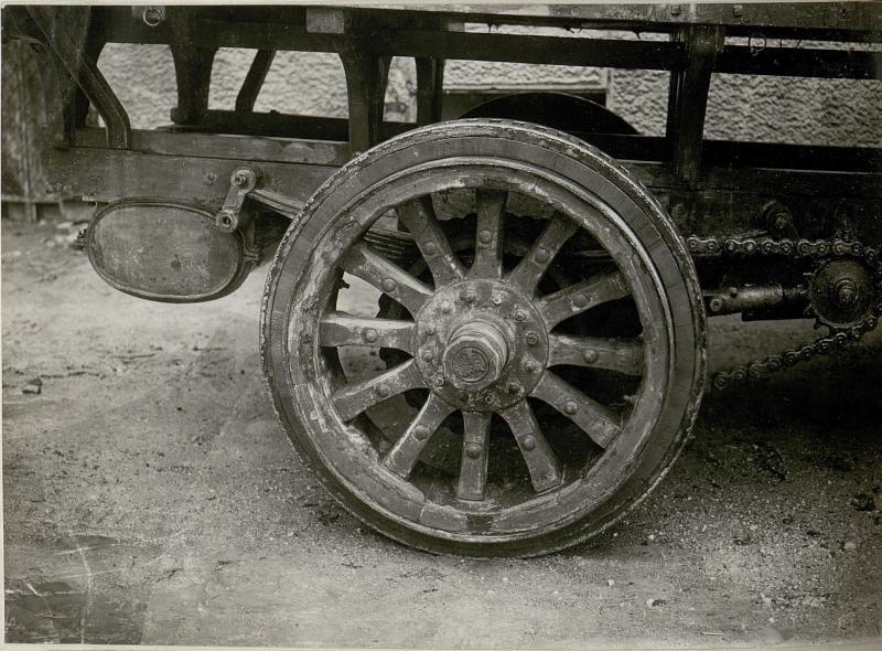 Holzeisenrad für Lastautobereifung Trient,
