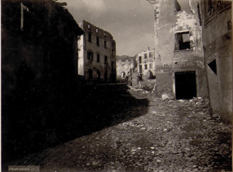 Strigno Valsugana. Straßenbild.