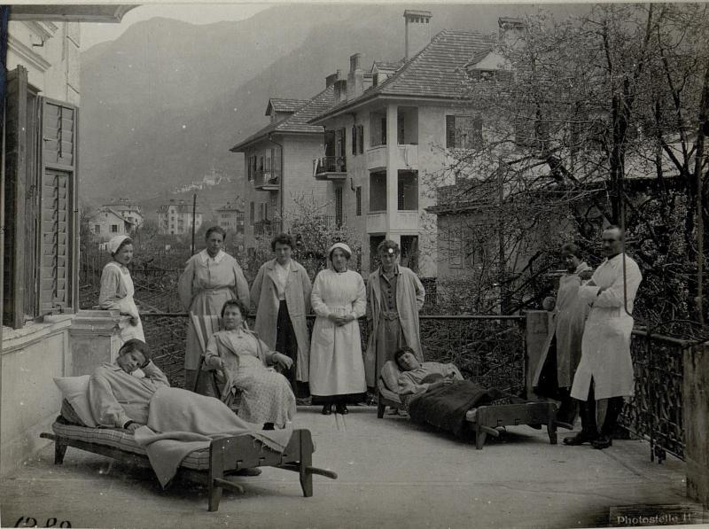 Gries bei Bozen. Reservespital und Erholungsheim für weibliche Hilfskräfte und Armee-Schwestern. (Pension Monsejour)