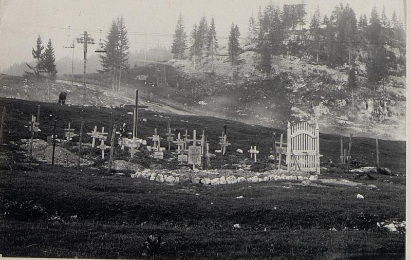 Barricata. Heldenfriedhof und ein  eigenes Einzelgrab.