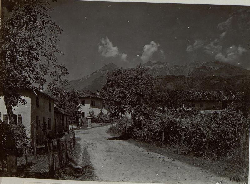 Altin nördlich Feltre. Hauptstraße.Juli.1918.