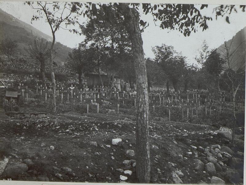 Arten. Heldenfriedhof.