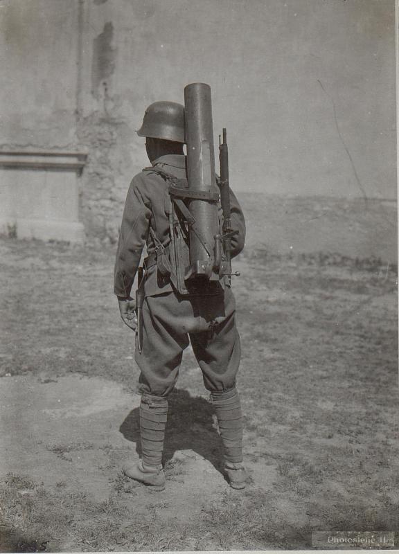 Barco. Österreichischer Infanterie-Grabenmörser.Rohr am Transport.