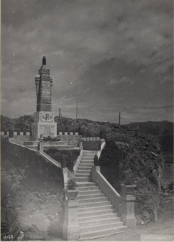 Denkmal in Werk Lusern.