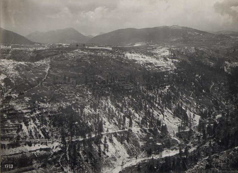 Bei Friedhof Canove. Panorama Monte Erio, Spitz della Bisa und Interotto. (3. Teilbild zu  WK1_ALB087_25360a)