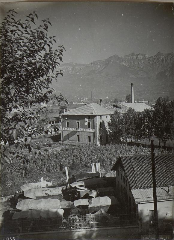 Feltre.Feldspital Nr.1316.durch Fliegerbombe beschädigt.