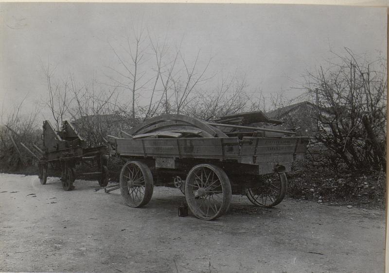 Autoanhänger mit 15cm Lafette, a/d.Strasse am Isonzo bei Görz.