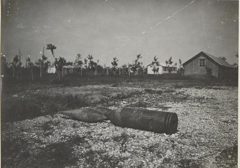 """40cm Geschoss und Minen-""""Blindgänger"""". (Terzo: Mitte Mai 1918.)"""