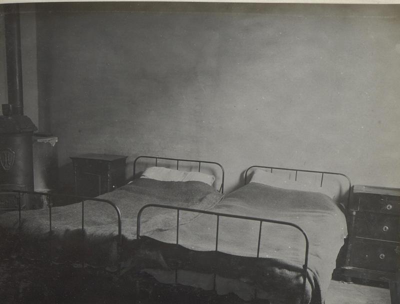 Schlafzimmer für weibl. Hilfskräfte, Vittorio.