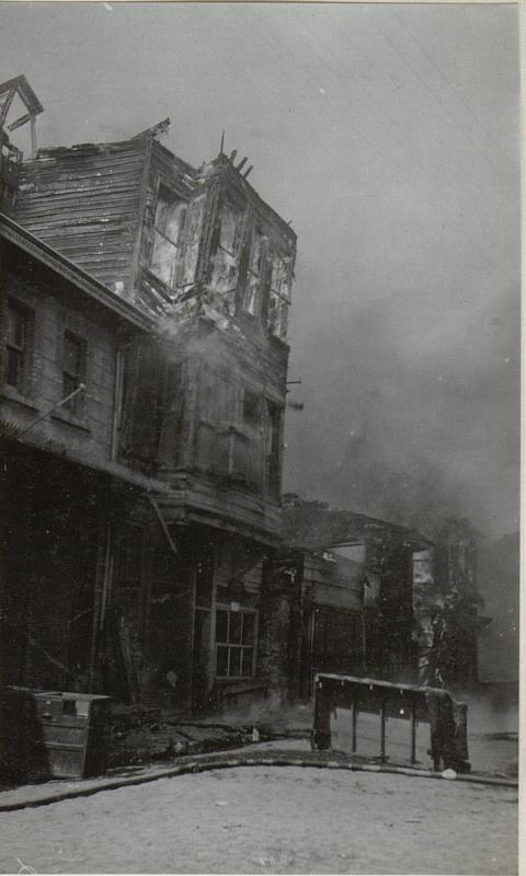 Bilder vom Riesenbrand in Stambul.