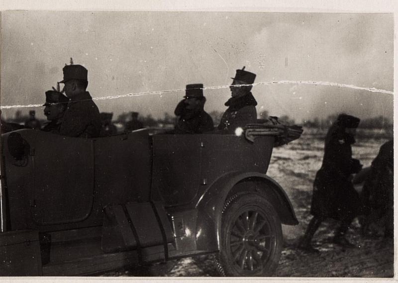 Abfahrt von Kaiser Karl vom Übungsplatz in Wladimir Wolinsky