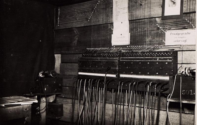 Telefonzentrale beim 33. Schützenregiment