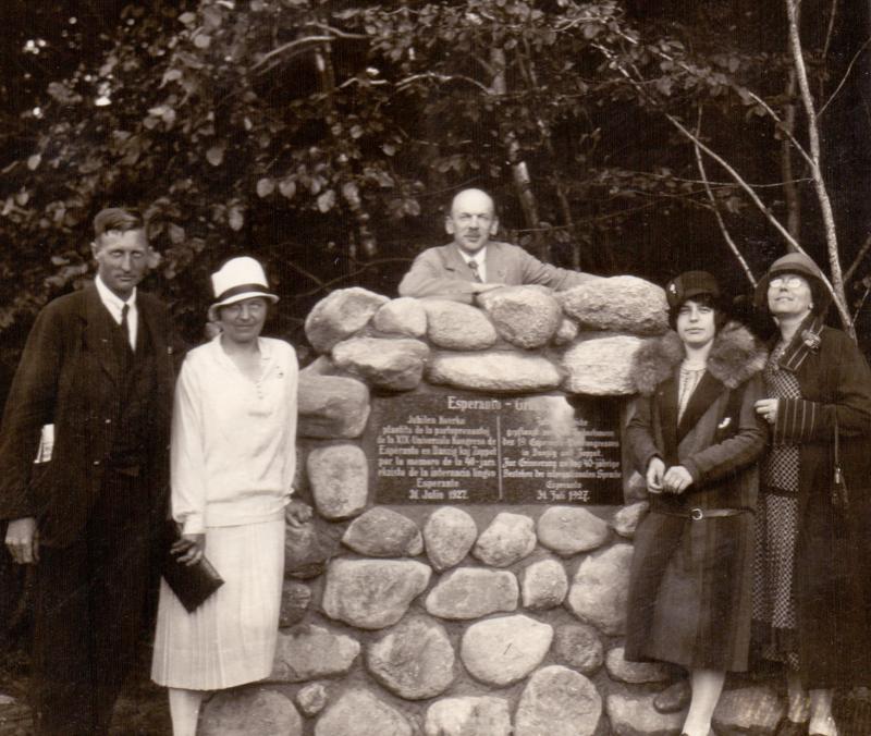 Gruppenfoto beim Esperanto-Gedenkstein Zoppot, 1927