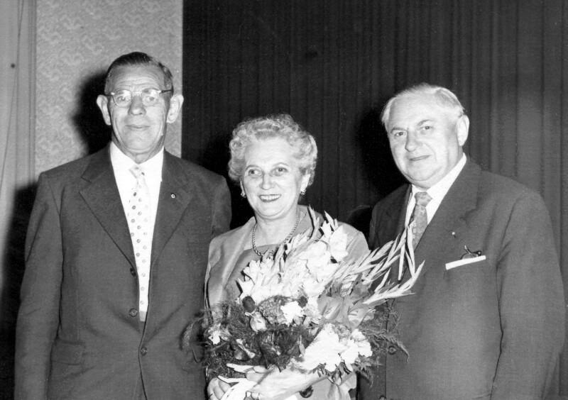 """Peter Møller und Emilie """"Emmy"""" Bauer als Brautpaar, Wien 1959"""