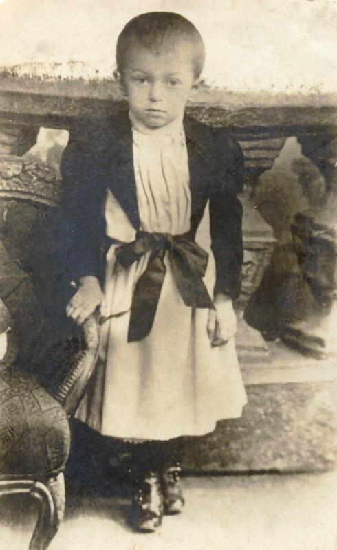 Kálmán Kalocsay als Dreijähriger, 1894