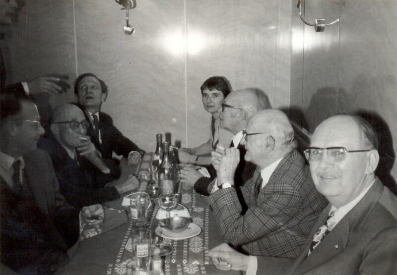 """Esperanto-Stammtisch im Restaurant """"La Côte Basque"""", Paris 1970"""