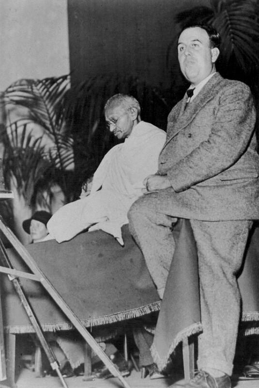 Mahatma Gandhi und Edmond Privat, um 1925