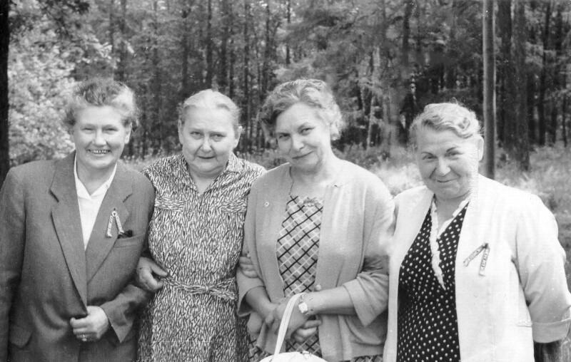 Elvira Lippe, Hilda Dresen, Elisabeth Linnuse und Ludmila Jevsejeva, um 1965