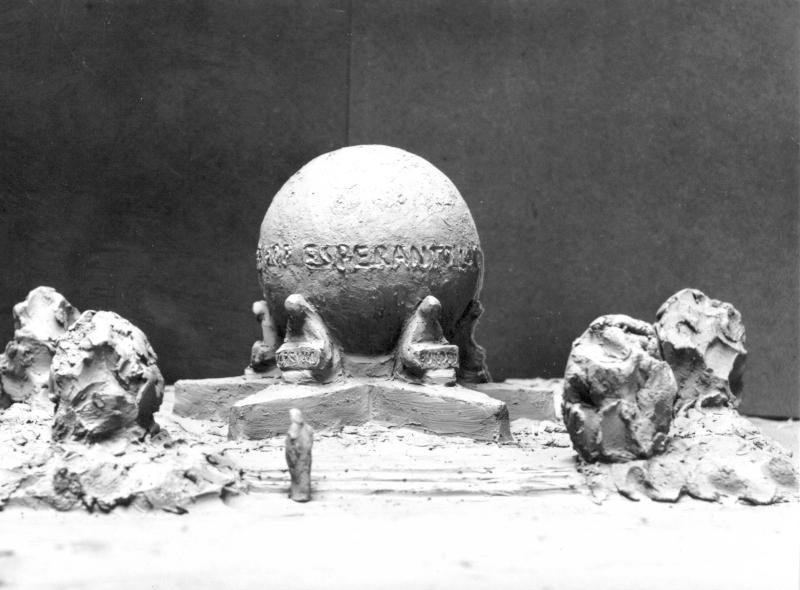 Frida Christaller: Modell für ein Esperanto-Denkmal, Göteborg 1955
