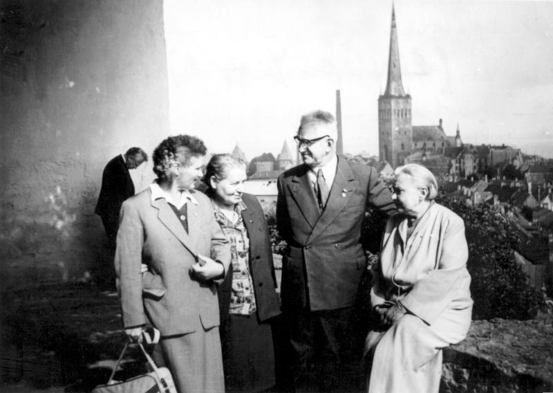 Elvira Lippe, Ludmila Jevsejeva, Asen Grigorov und Hilda Dresen, um 1965