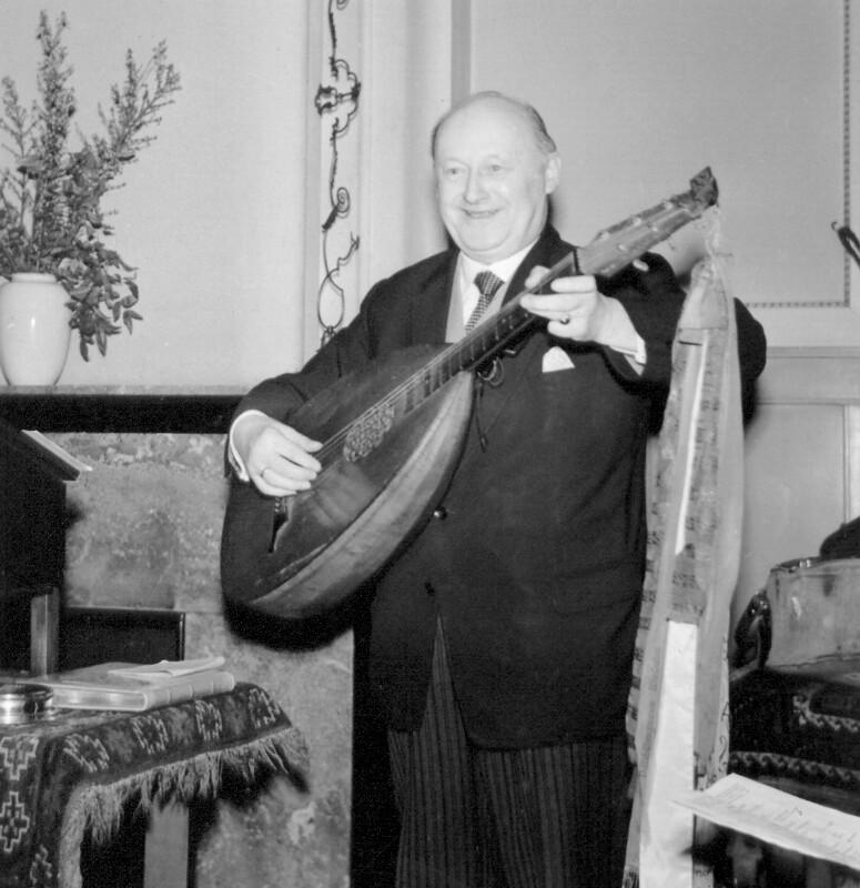 Alexander Starke während eines Auftritts, um 1955