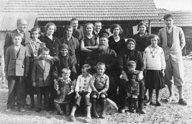 Der Geistliche Ivan Georgiev mit seiner Familie, Rohovo 1935