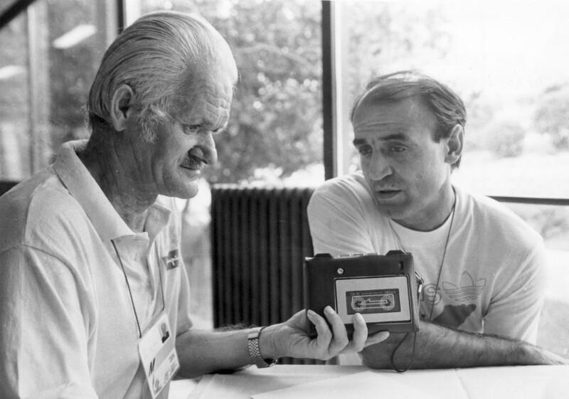 Davor Grgat interviewt Dane Korica während der 15. Leichtathletik-Europameisterschaft, Split 1990