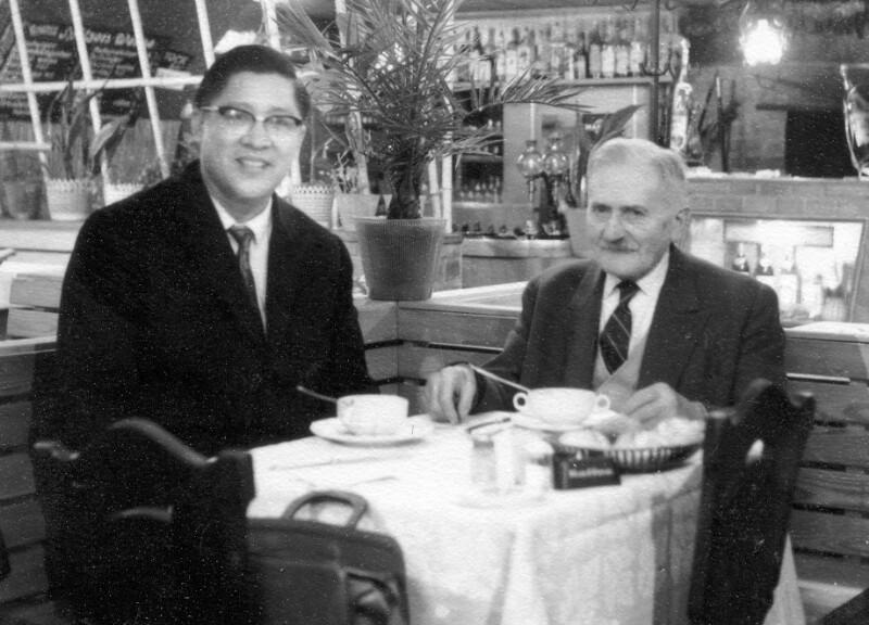 Hugo Steiner und Herr Lu Mi aus Singapur, Wien 1960