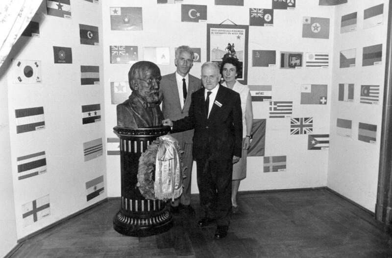 Ehepaar Erbetta zu Besuch im Internationalen Esperanto-Museum, Wien 1965