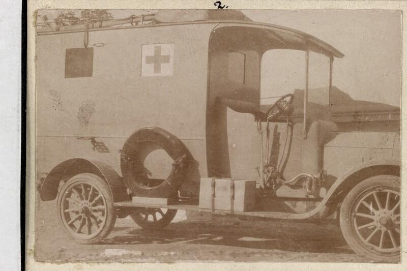 Rot-Kreuz-Wagen im Ersten Weltkrieg von Semlitsch, Leopold
