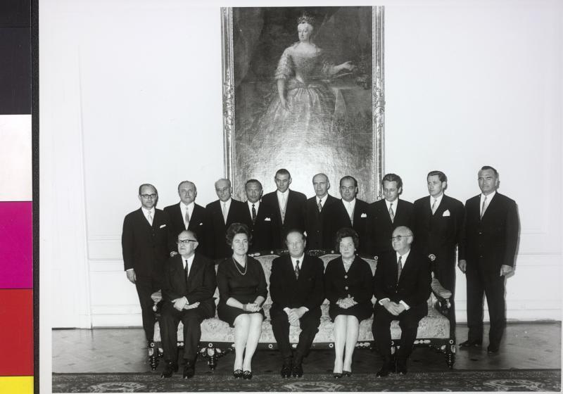 Gruppenbild Regierung Kreisky I von Bayer, Fred