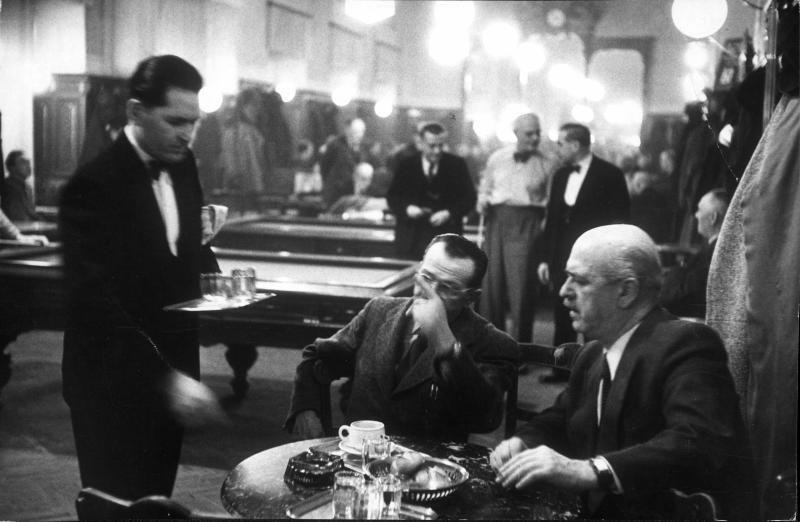 Szene in Kaffeehaus von Lessing, Erich
