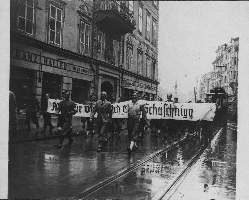 Demonstration der Nationalsozialisten in Innsbruck von Hilscher, Albert