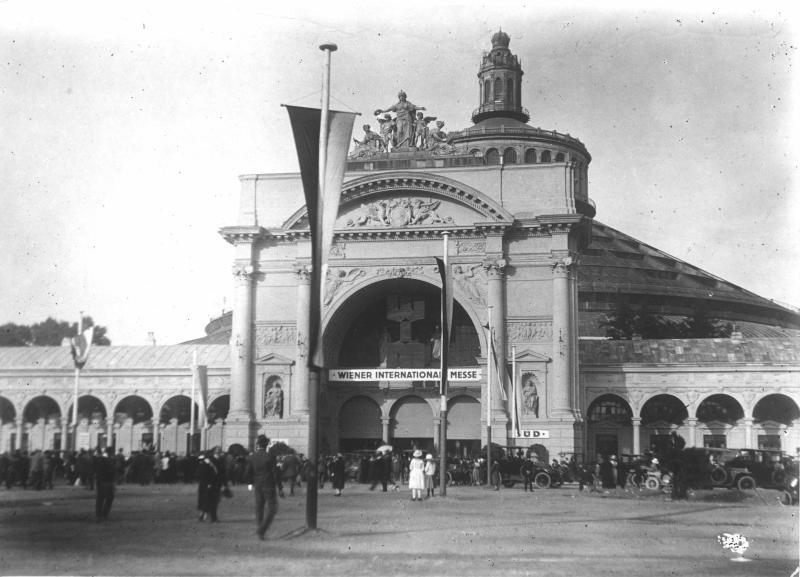 Wiener Messe in der Rotunde von Hilscher, Albert