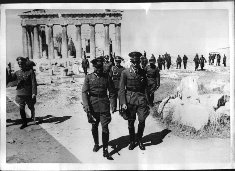 Brauchitsch auf der Akropolis von Weltbild