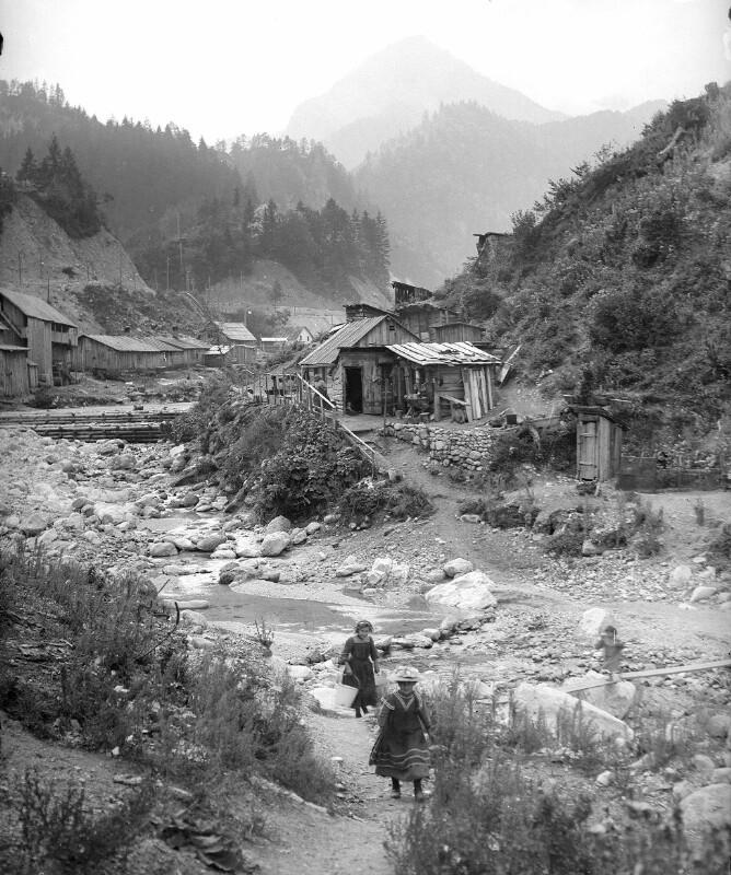 Dorfbild im Rosenbachtal von Herlango