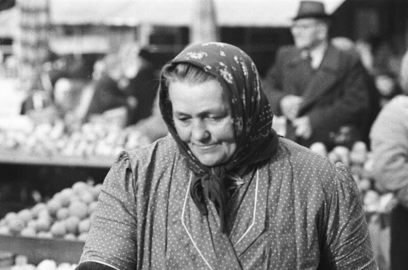 Marktfrau von Heydecker, Joe J.