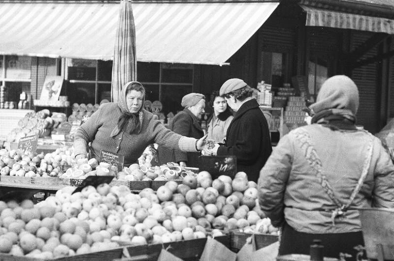 Marktfrauen von Heydecker, Joe J.