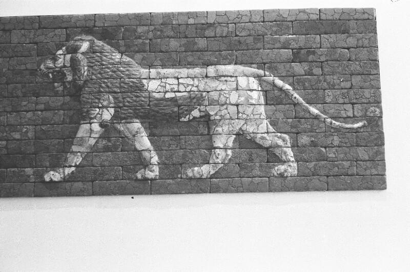 Babylonisch-Assyrisches Relief von Heydecker, Joe J.