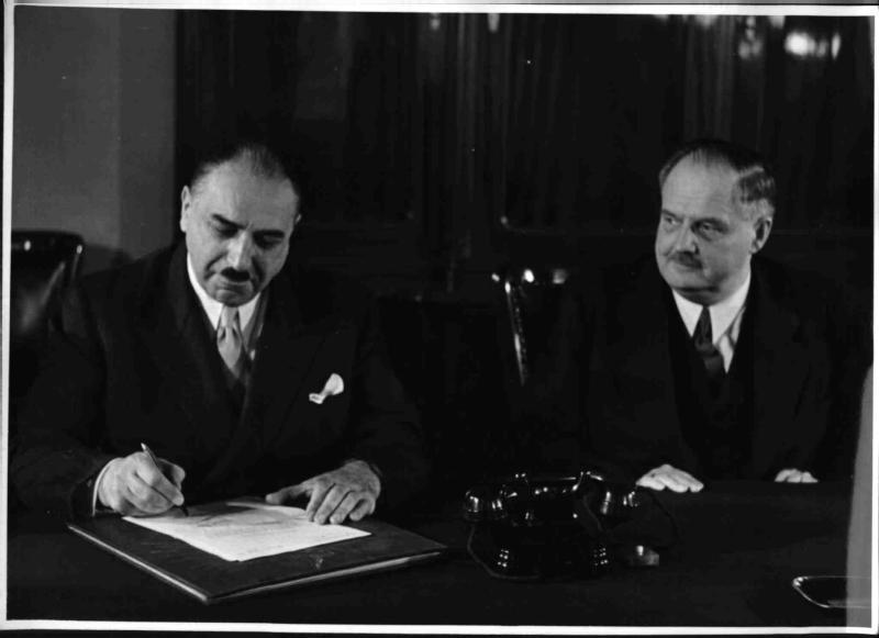 Geld für die Fertigstellung der Wiener Staatsoper von Cermak, Alfred
